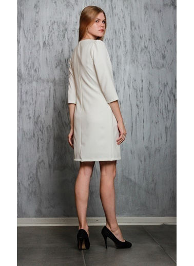JEANNE D'ARC Truvakar Kol Ceplerinde Zincir Detaylı Elbise  Beyaz